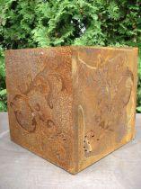 Baroque dice made of rusty metal, 36 cm x 36 cm