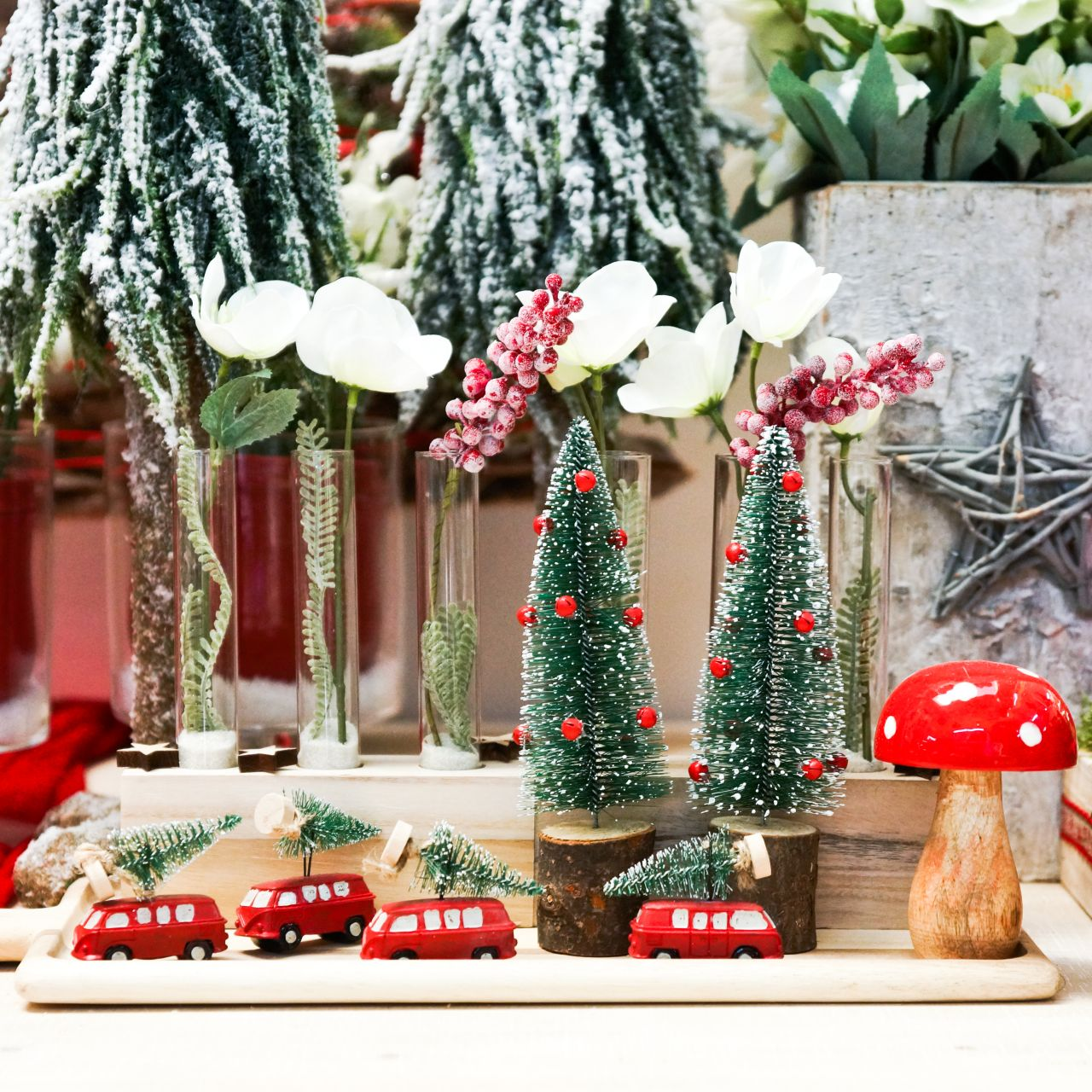 Christmas Tree Decoration Car with fir tree Red / green 2pcs