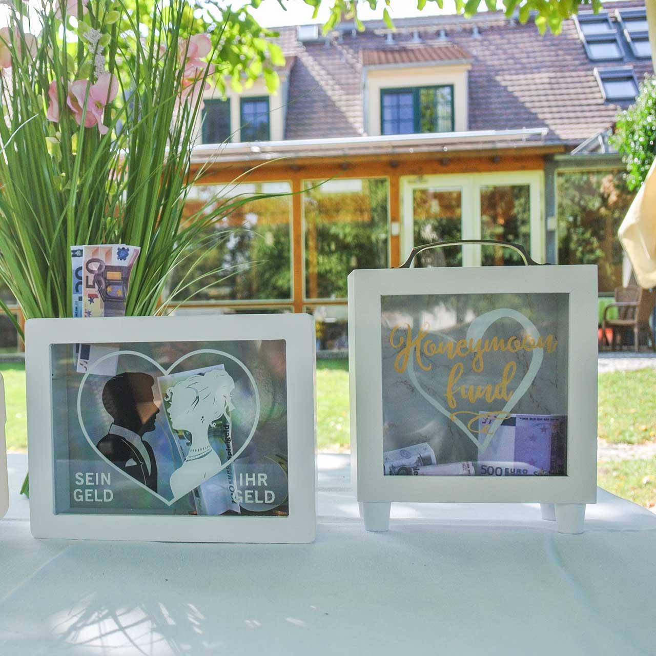 "Wedding money box ""Honeymoon Fund"" wood with glass front white H15m"