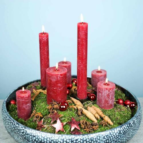 Solid colored candles dark red different sizes